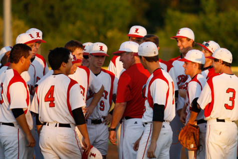 District Champions: Baseball Advances to Playoffs