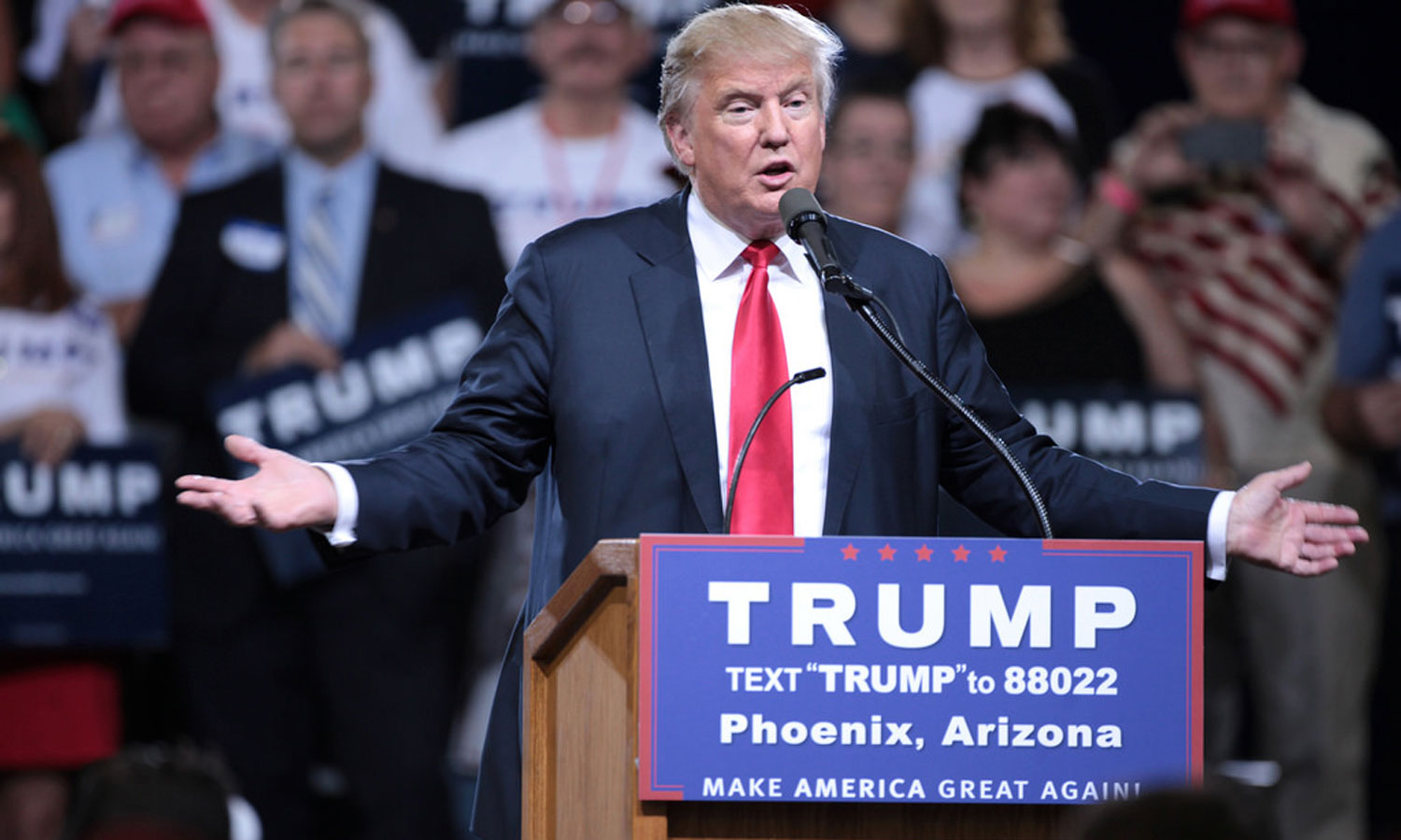 Donald Trump speaks at a rally in Arizona