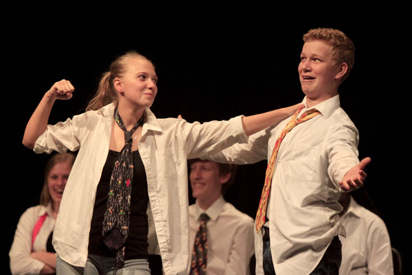 Sophomores Abby Ewing and Seth Matthews play a game during an improv show. (Conner Riley photo)