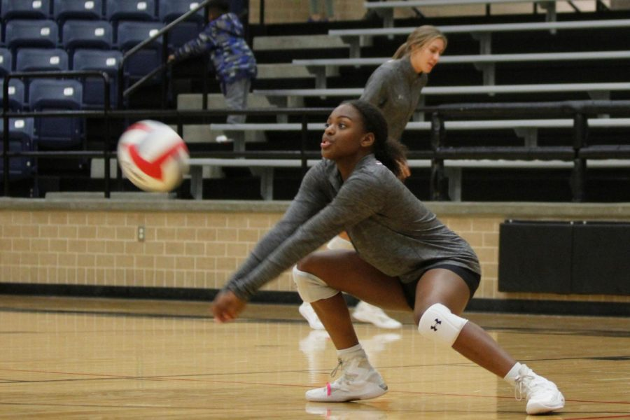 Nyla Ruffin, 11, warms up before the game against Centennial. (Delayne Fierro photo)