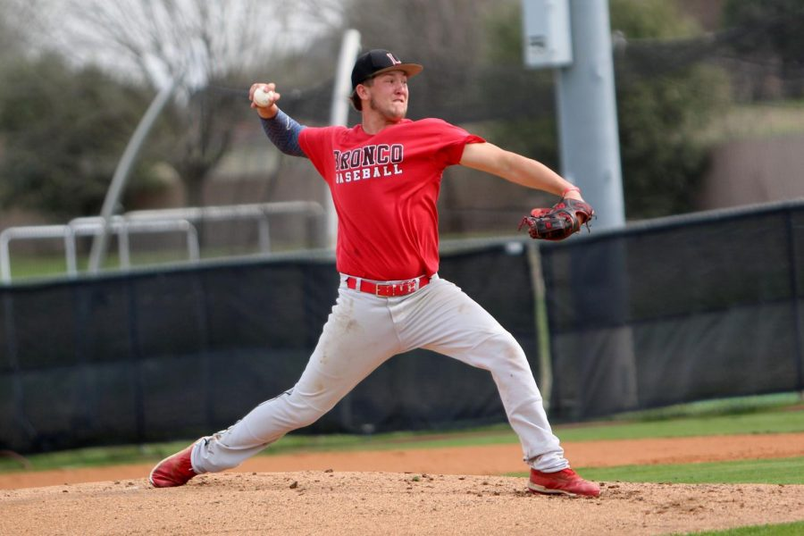 Varsity Baseball Sets High Expectations for New Season